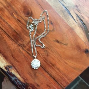 Round crystal like gold necklace